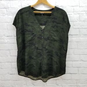 Torrid Camouflage V Neck Button Down Shirt 0 / L